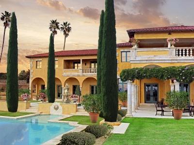 Villa di Toscana – South Gardens & Pool