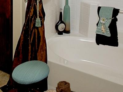 Staging – Bathroom Detail