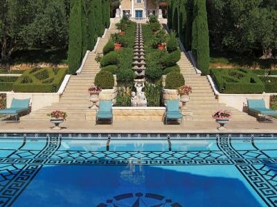 Villa Zeffiro – Pool & Rill